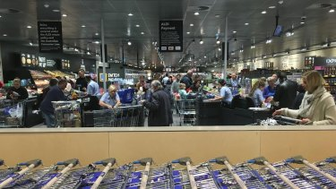 Shoppers pour into Aldi.