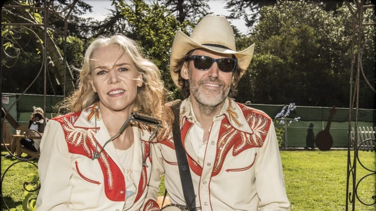 Gillian Welch Review Fans Fall In Love All Over Again