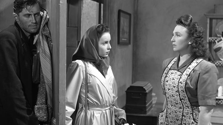 John McCallum, left, Patricia Plunkett and Googie Withers in It Always Rains On Sunday (1947)
