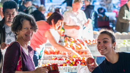 15 years of the farmers' market: it's all about family and food