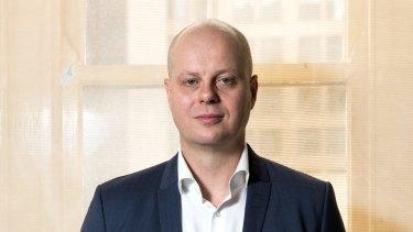 Former David Jones CEO David Thomas has been snapped up by Peter Lew's Brandbank.