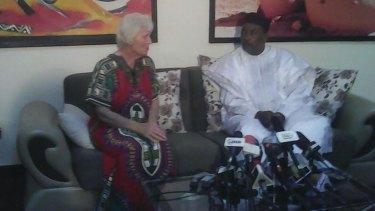 Jocelyn Elliott with Niger President Mahamadou Issoufou.