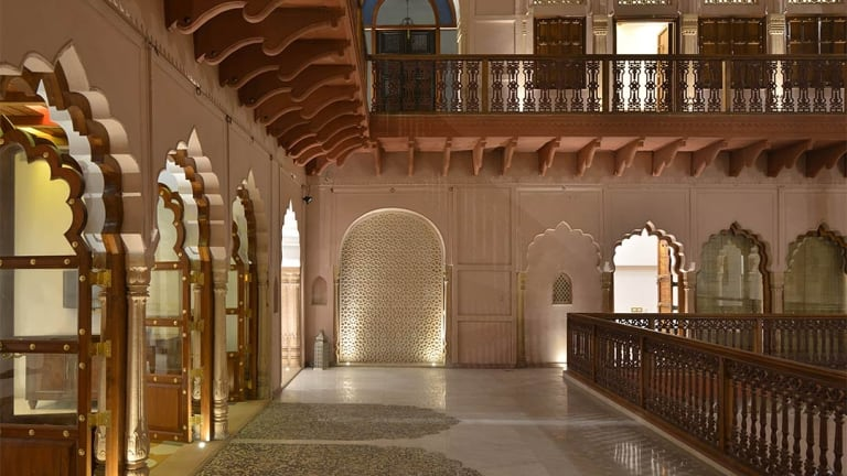 The same angle with the upper level reconstructed, now the Haveli Dharampura hotel.