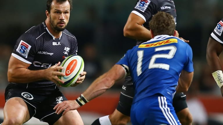 Bismarck du Plessis scored a try in his final game for the Sharks.