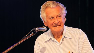 Former prime minister Bob Hawke has called for the CFMEU to be kicked out of the ACTU.