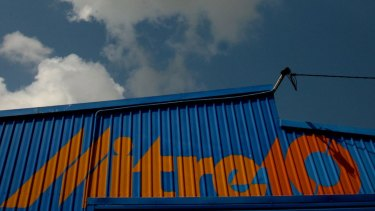 Anchorage is talking to Metcash about a possible tie-up between its Mitre 10 chain and Home Timber and Hardware.