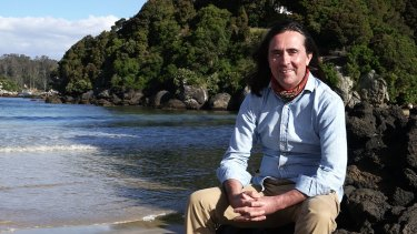 Archaeologist and historian Neil Oliver hosts <i>Coast New Zealand</i>.