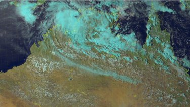 Tropical Cyclone Blanche tracks towards the Northern Territory coastline.
