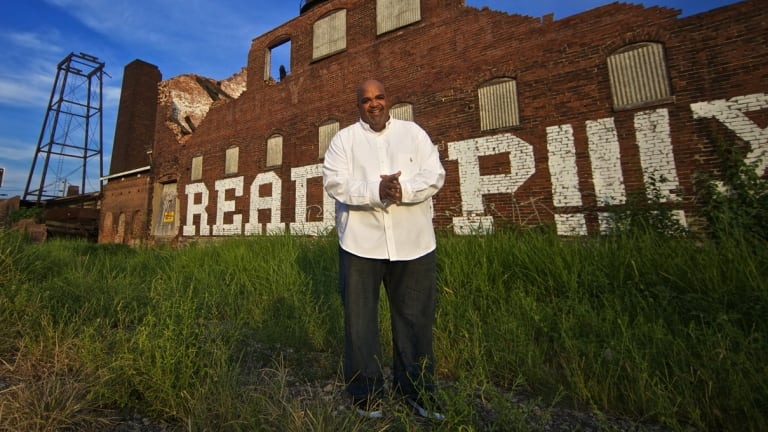 Motivational speaker Reggie Dabbs has been speaking in Victorian state schools. But he has not revealed to students that he is an American preacher.
