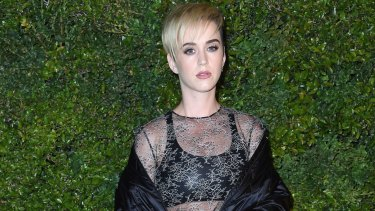 Katy Perry's updated short hair style.
