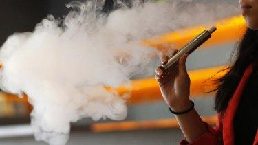 Regulate e-cigarettes: health groups.