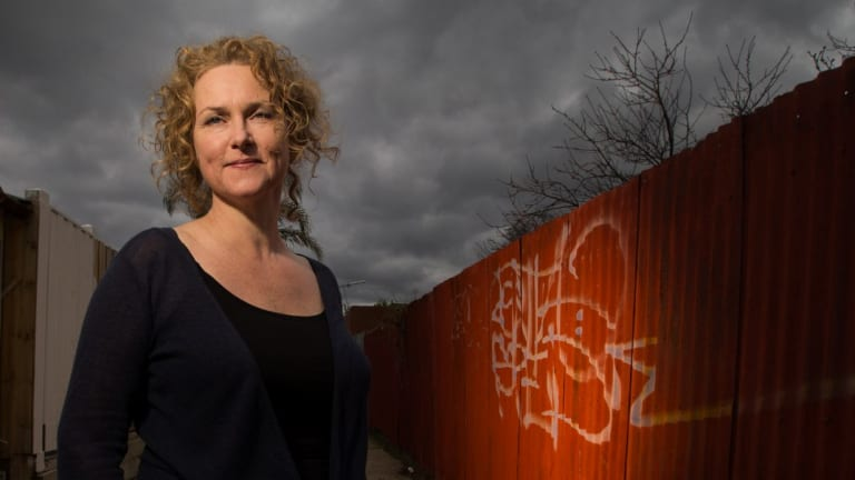 Crime writer Emma Viskic has been awarded three Davitts and a Ned Kelly.