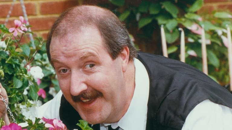 British actor Gordon Kaye, in character as Rene from the TV series 'Allo 'Allo.