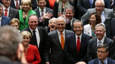 Philip Ruddock photobombs the official photograph of the 44th Parliament of Australia in the House of Representatives with Prime Minister Malcolm Turnbull and Opposition Leader Bill Shorten.