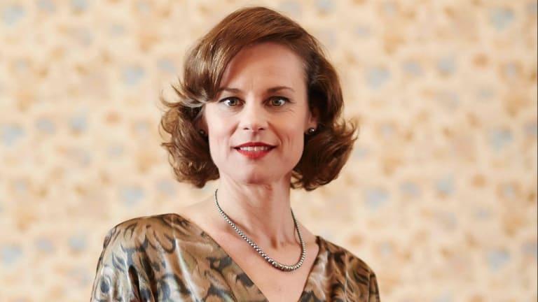 Nadine Garner stars as Jean Blake in The Blake Mysteries: Ghost Stories.