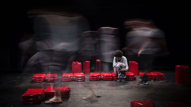 <i>Manus</i> was shown to an audience of about 3000 over a month in Qashqai Hall of Tehran's City Theatre Complex.