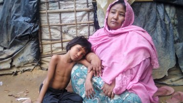 Noorjahan and her six-year-old daughter.