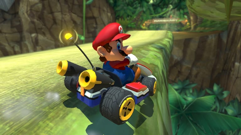 The optional 'smart steering' antenna keeps less capable players from falling off the track.