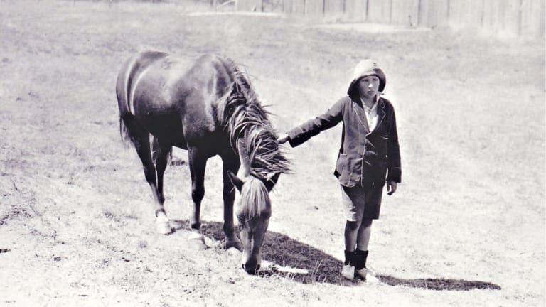 Lennie Gwyther with Ginger Mick, the horse he rode 1000 kilometres to attend the opening of the Sydney Harbour Bridge.