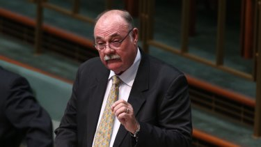 Warren Entsch says Peta Credlin has a nasty streak and her attack on Malcolm Turnbull smacked of sour grapes.