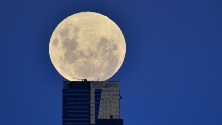 Mercury, Sun and a new moon talk tech innovations in Aquarius.