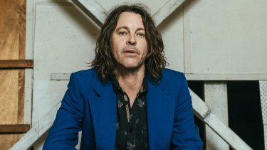 Bernard Fanning is comfortable and so is his audience.
