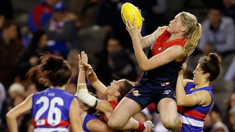 Tayla Harris' last-quarter grab.