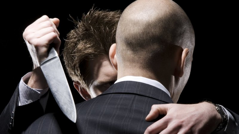 14 signs your co-worker is a psychopath