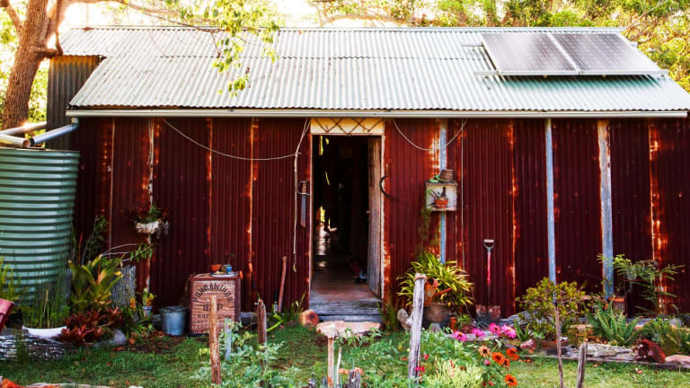 Stefanie Bassett lives off the grid in her home near Lismore, and took some time to find an expert to verify the painting was a Margaret Olley.