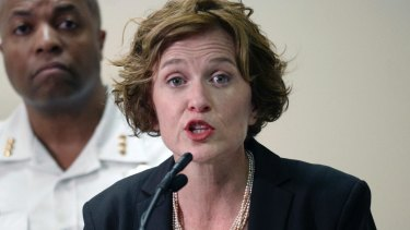 Mayor Betsy Hodges was swamped by protesters as she spoke about the death of Justine Damond.