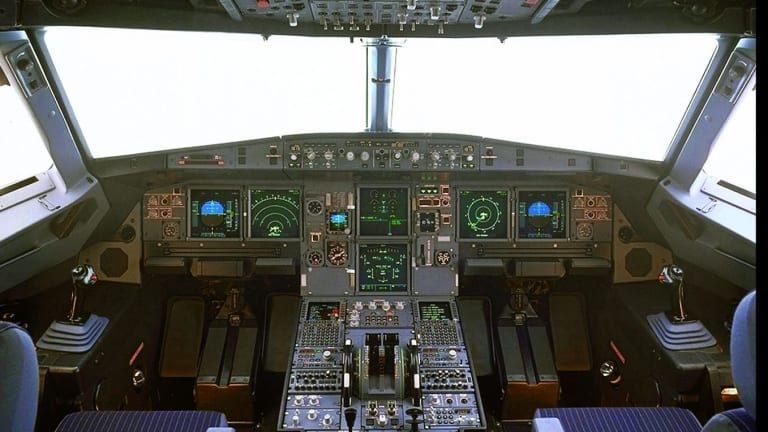 A view of the cockpit of the Airbus A320 type aircraft.