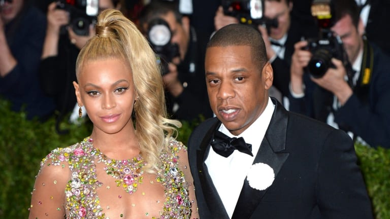 Beyonce and Jay-Z posed in an elevator, inviting the paparazzi to get the perfect shot.