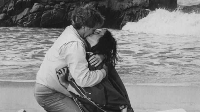 Elizabeth Taylor and Richard Burton in The Sandpiper.