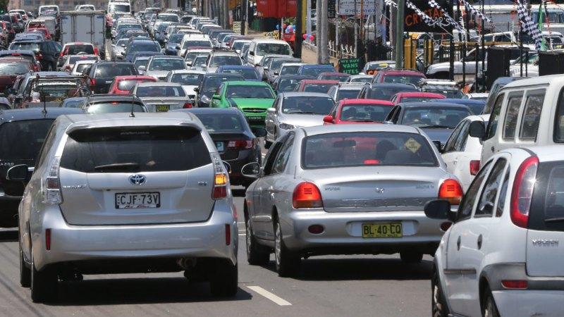 Five kilometre traffic jam on M2 due to crash at Baulkham Hills