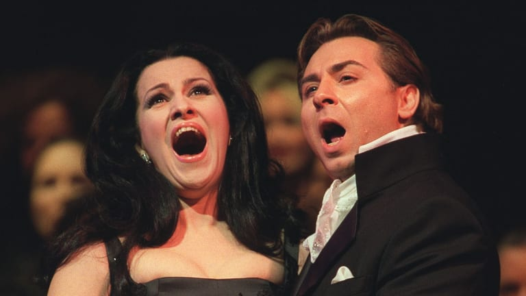 Roberto Alagna performing with his ex-wife Angela Gheorghiu at New York's Lincoln Centre in 2002.