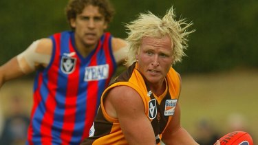 Stephen Bailey playing for Box Hill in 2004