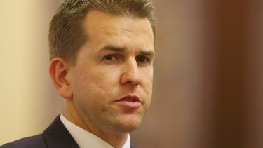 Shadow police minister Jarrod Bleijie says the Newman Government's anti-bikie laws shouldn't be watered down.