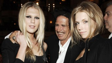 Richards with his daughters Alexandra (left) and Theodora in 2007.