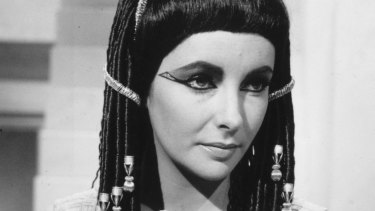 1963: American actor Elizabeth Taylor in her role as Cleopatra.
