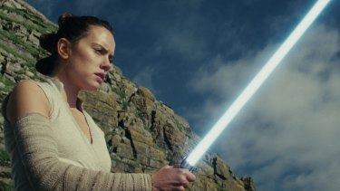 Rey (Daisy Ridley) gets in touch with the Force in