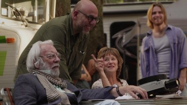 Director Paolo Virzi with Helen Mirren and Donald Sutherland on set.