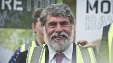 Moreton  Bay mayor Allan Sutherland's 2016 re-election campaign was funded, in part, through a trust.