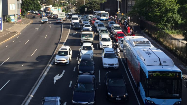 Traffic delays after anzac bridge accident for Abc motor credit gilchrist rd