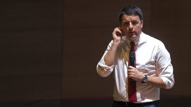 Matteo Renzi's party would seek early elections in Italy by the northern summer of 2017 if he loses a referendum on constitutional reform.