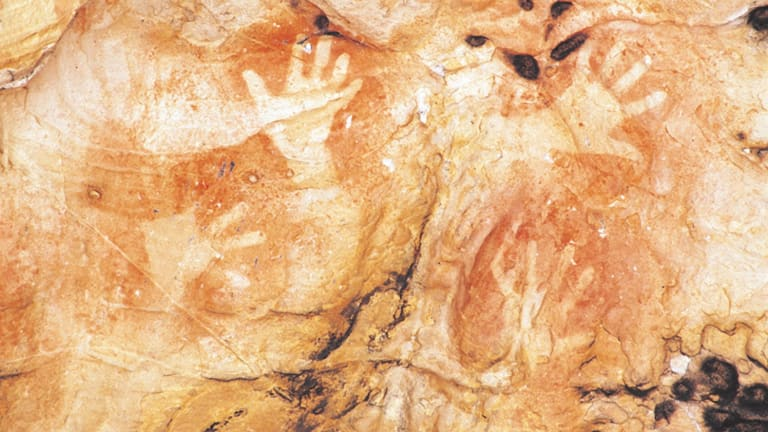 """Native sovereigns of the soil"": Aboriginal rock art in the Grampians."