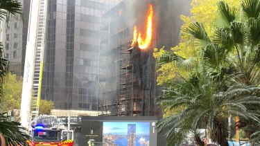 Meshing at the construction site in Circular Quay was on fire.