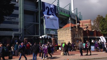 Fan flocked to Domain Stadium for Pavlich's final game