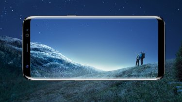 Reviewers have been praising of the wall-to-wall glass screen.
