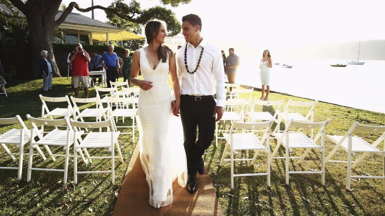 Ellyse Perry, wearing a Moira Hughes dress, weds Matt Toomua.