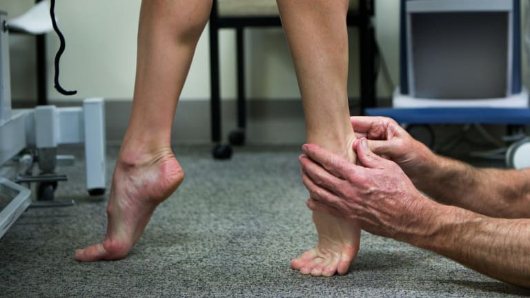 While travelling, this is the perfect stretch to help alleviate swollen feet.